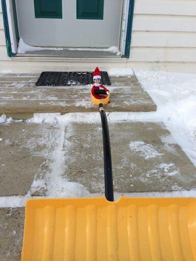 elf using the shovel